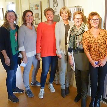 Het team van de LCGH kinderfilm middag en Annet Perdijk van stichting Present
